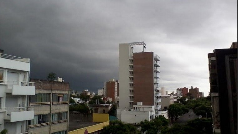 Rigen dos alertas por vientos fuertes, lluvias y tormentas intensas para Córdoba