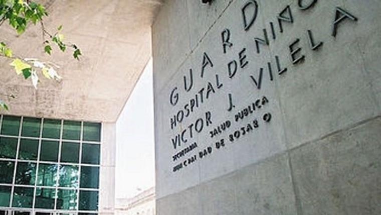 El adolescente continuaba este lunes internado en el Vilela tras ser herido el domingo en extrañas circunstancias.