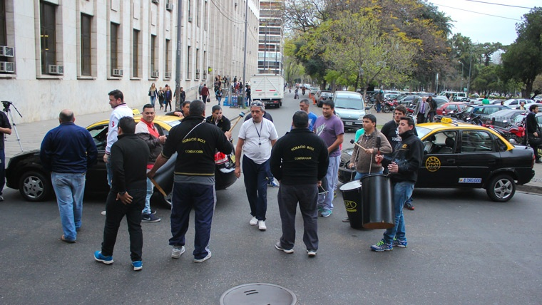 Despu s del paro taxistas se re nen en el ministerio de for Noticias del ministerio de seguridad