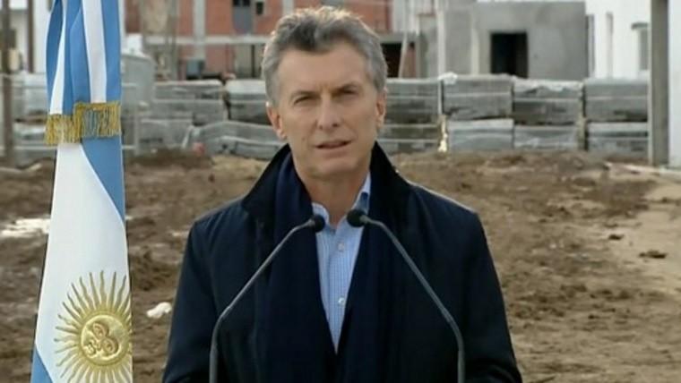 Macri lanz plan de viviendas y fustig el proyecto de ley for Plan de viviendas macri