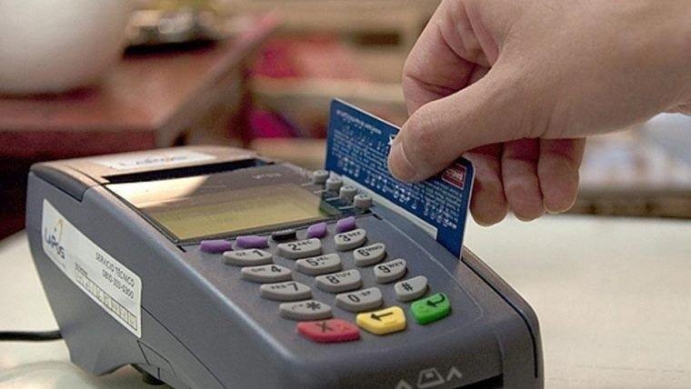 Firmarán hoy acuerdo para bajar comisiones de tarjetas