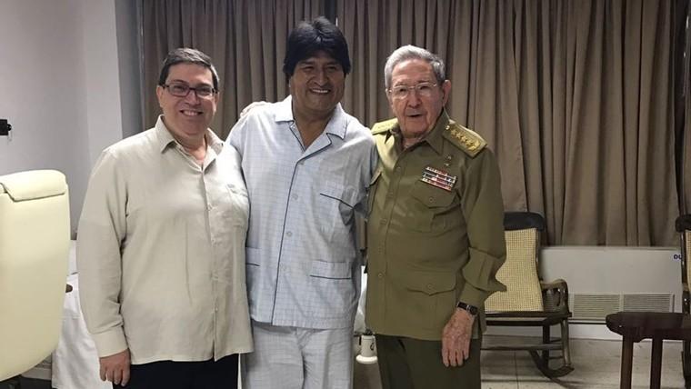 Evo Morales volverá a Cuba en abril para operarse de la garganta