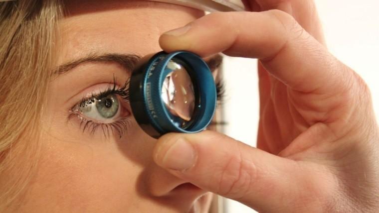 Realizan controles gratuitos en el hospital Rossi — Glaucoma