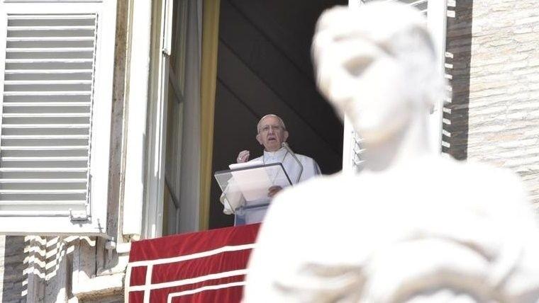 El Sumo Pontífice habló ante 40.000 fieles presentes en la Plaza San Pedro