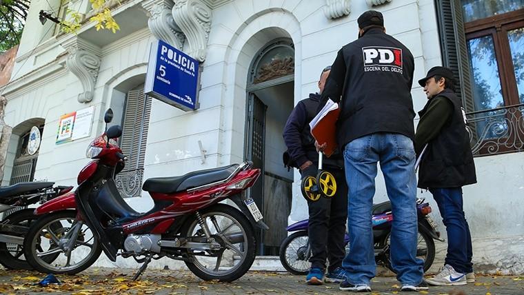 Diez presos se fugaron de una comisaría tras limar los barrotes — Rosario