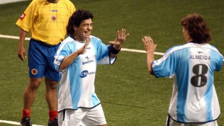 Le llovieron felicitaciones a Almeyda que hasta Maradona lo felicito
