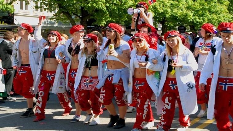 Russ la fiesta noruega de 1 mes a pura música,sexo y alcohol