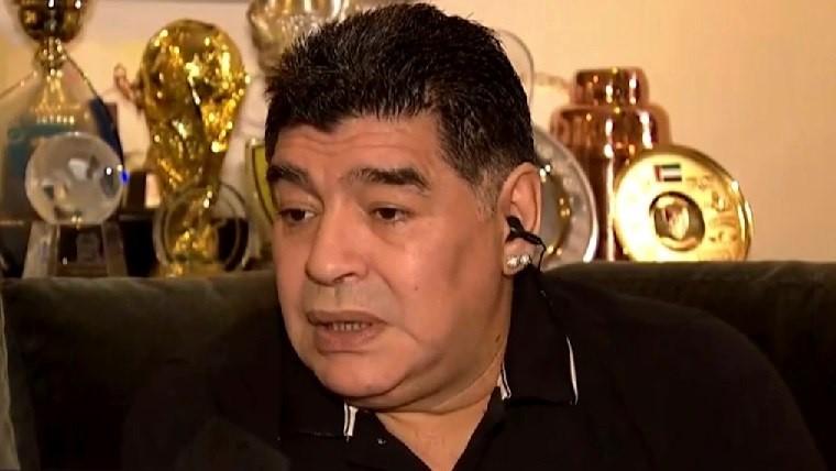Maradona escogió entre Riquelme y Tévez como ídolo de Boca Juniors