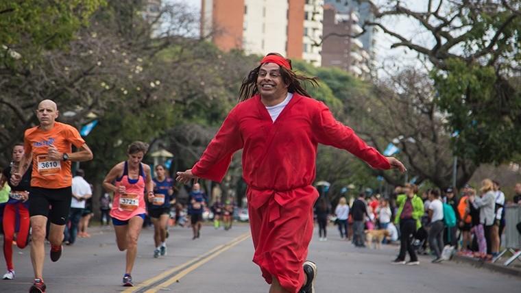 Más de 4 mil corredores en la Maratón Internacional de la Bandera