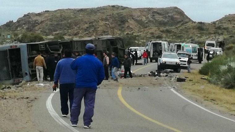 Argentina decreta duelo nacional por accidente de autobús que dejó 15 muertos