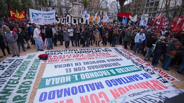 Alta convocatoria en Plaza 25 de Mayo este jueves por la tarde. (Alan Monzón/Rosario3.com)