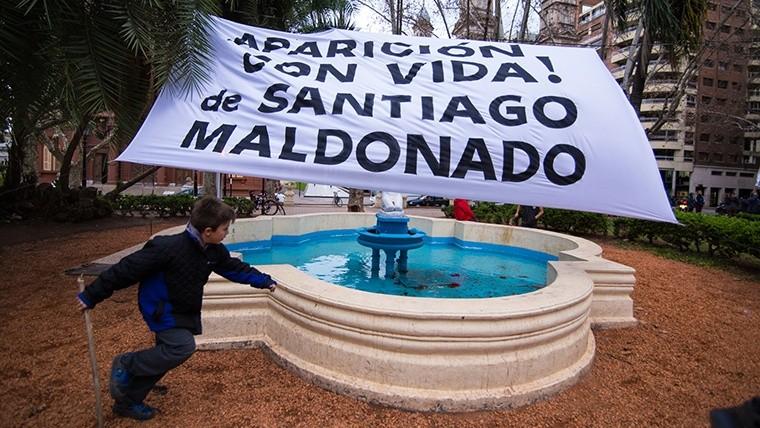 Una postal de la plaza durante el acto. (Alan Monzón/Rosario3.com)