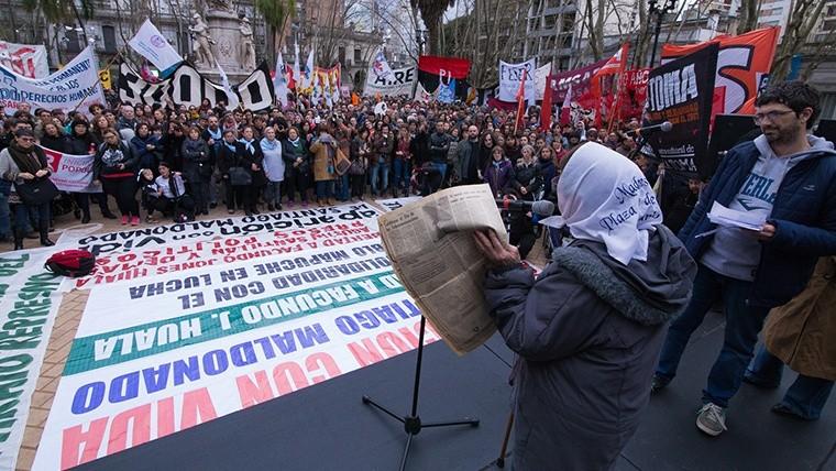 Las Madres de Plaza 25 de Mayo presentes en el acto. (Alan Monzón/Rosario3.com)