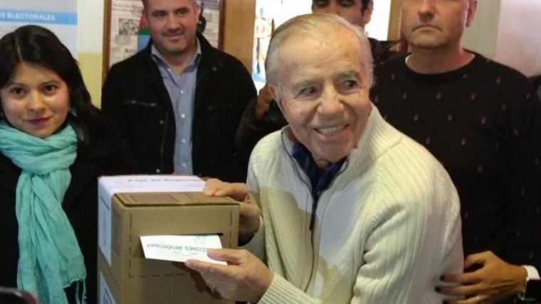 Yo hasta ahora soy candidato — Votó Menem