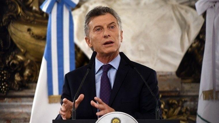 Macri será operado de su rodilla nuevamente