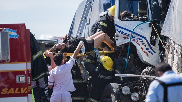 Tras cinco horas atrapada, los bomberos liberaron a la mujer.