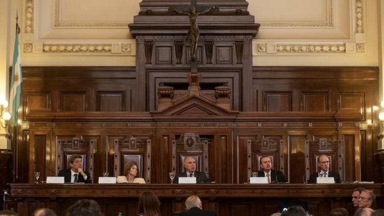 Los jueces de la Corte difundieron este martes el fallo sobre la enseñanza religiosa.