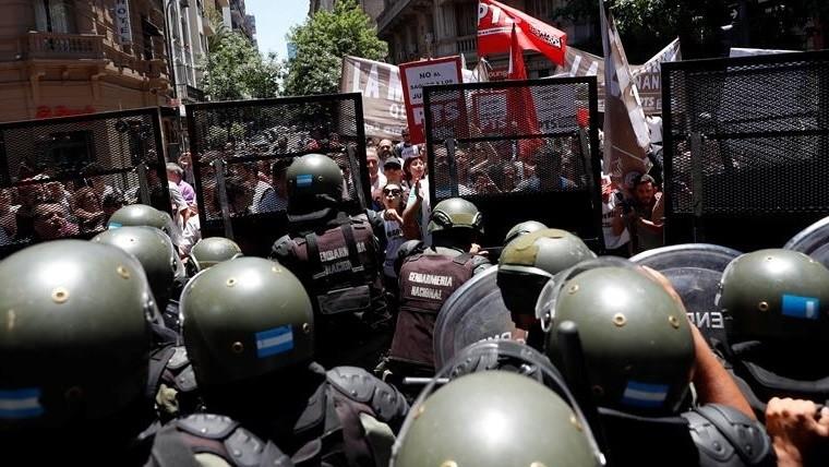 Diputados opositores realizaron una denuncia penal por la represión en el Congreso