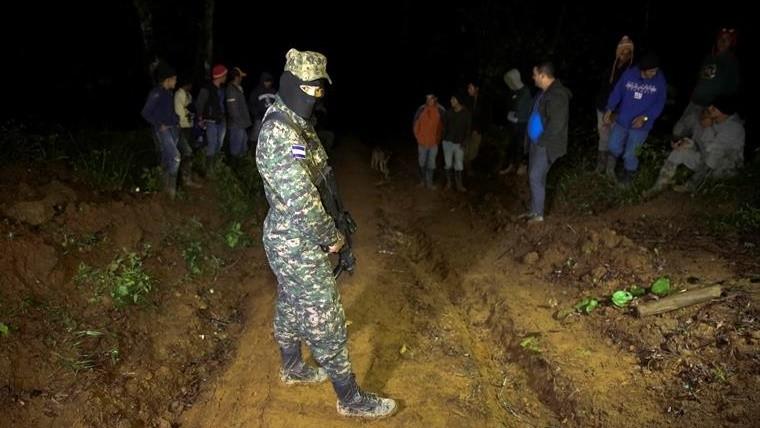 Hermana del presidente y 5 personas perecen en accidente de helicóptero — Honduras