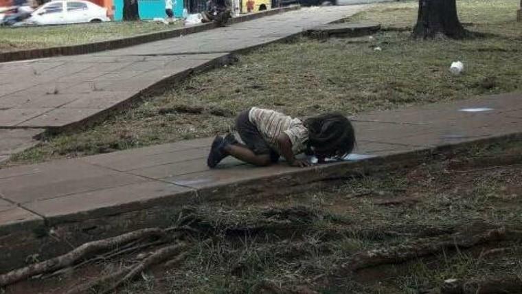 Foto de pobre nena argentina recorre todo el planeta