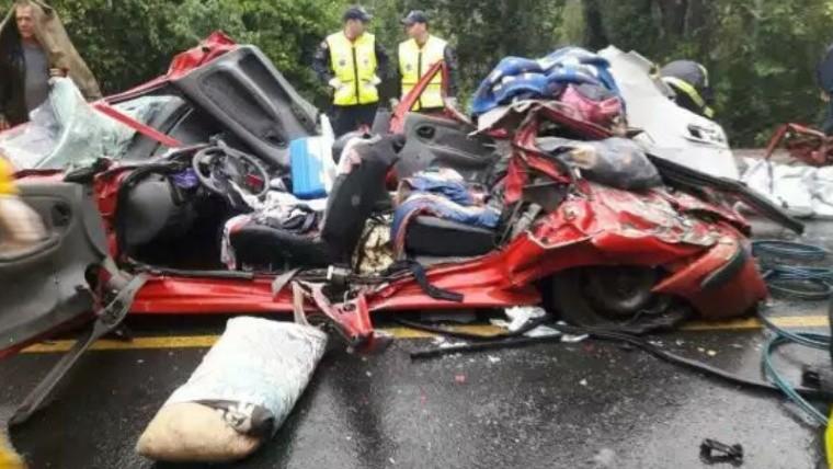 Accidente en Brasil: tres argentinos murieron impactados por un acoplado