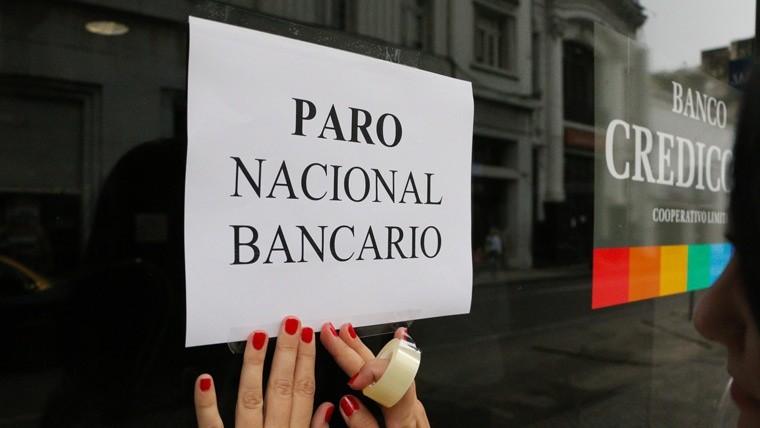 Los bancarios harán paro antes del feriado largo de Carnaval