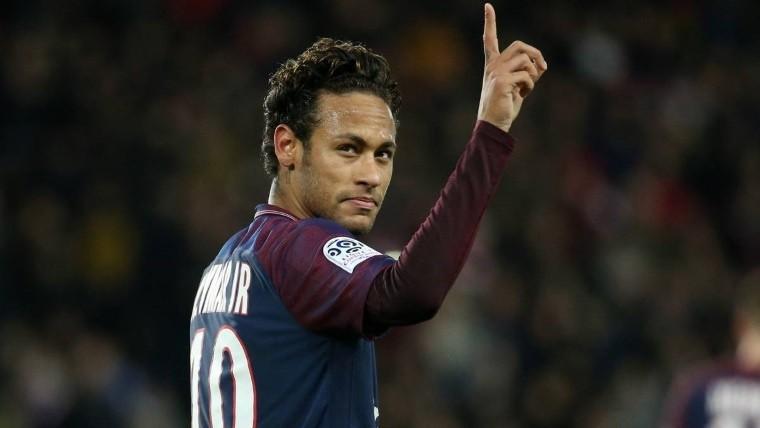 Neymar deja el hospital en helicóptero y seguirá la recuperación en Río