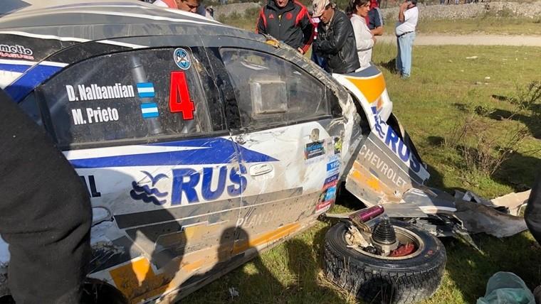 Nalbandian volcó en el Rally Argentino y su auto quedó destruido