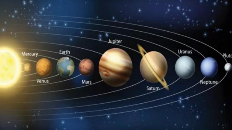 Juno capta imágenes de ciclones gigantes en el polo norte de Júpiter