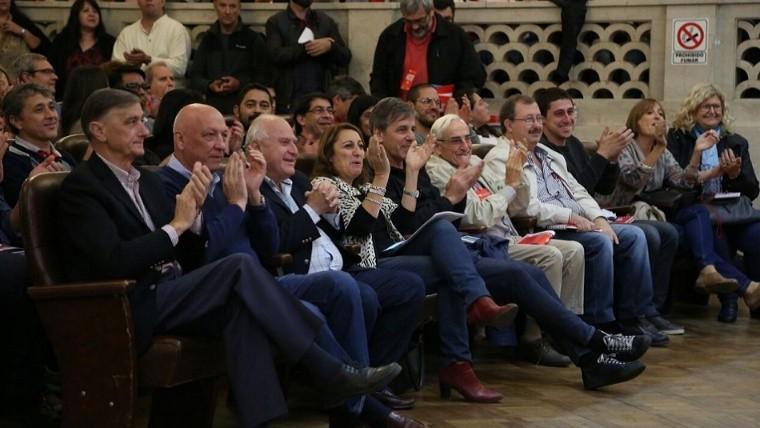 Miguel Lifschitz quiere reformar la Constitución y añadir la reelección