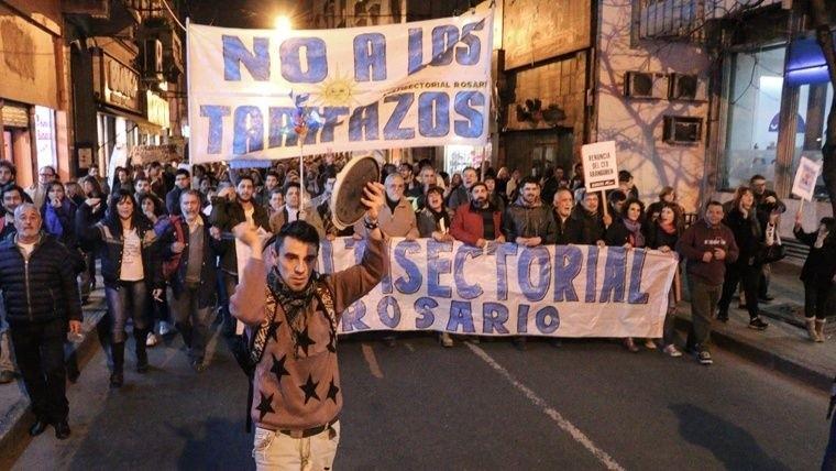 La oposición insiste con una sesión especial para debatir por las tarifas