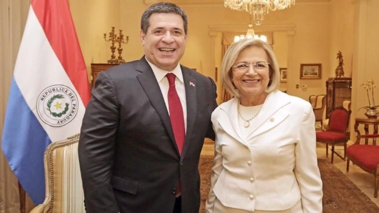 Horacio Cartes renuncia a la Presidencia de Paraguay