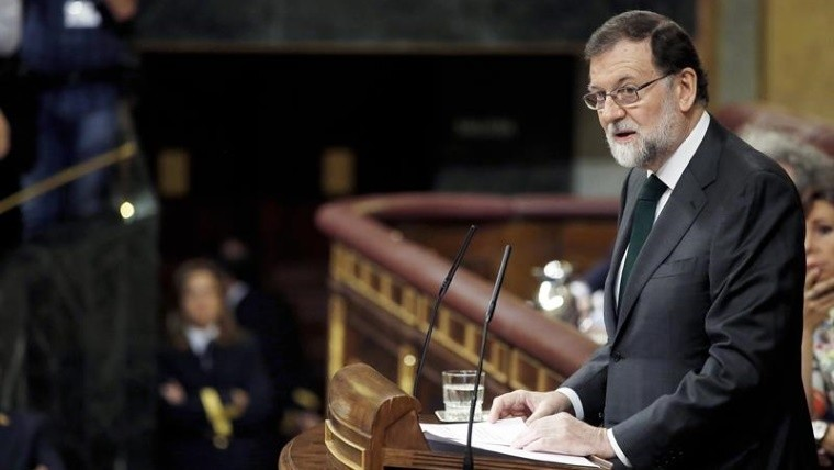 Destituyeron a Rajoy y asume el socialista Sánchez — España