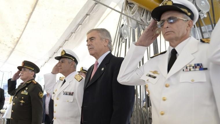 Las fuerzas armadas de Argentina participarán en el combate al narcotráfico: Macri