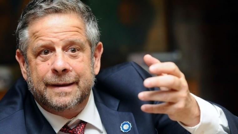 Médico argentino desató polémica tras desestimar la efectividad de preservativos