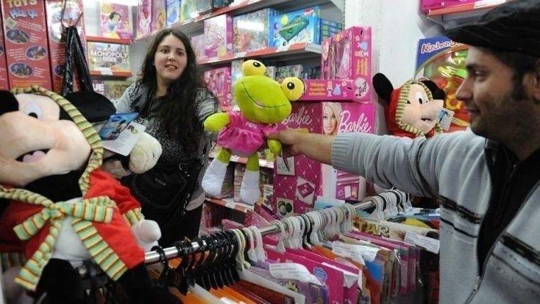 Las ventas minoristas cayeron 3,3% — Día del Niño