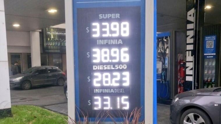 El cartel de los precios de los combustibles este sábado a la mañana