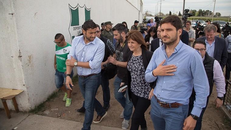 Bullrich junto al ministro Pullaro en la zona sur de Rosario.