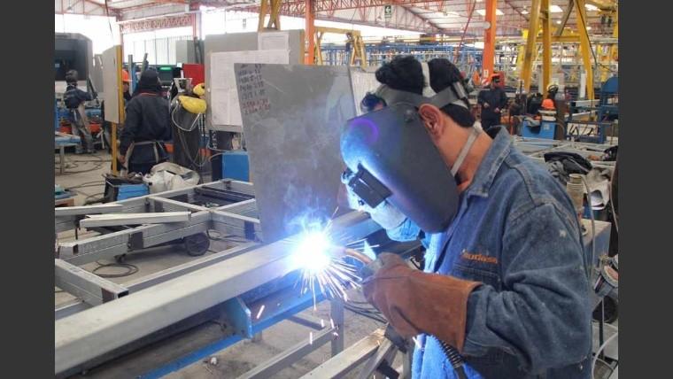 La actividad económica se contrajo 2,7% en julio