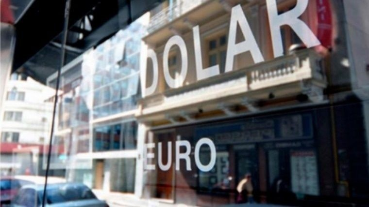 El dólar comienza la semana estable arriba de los $38
