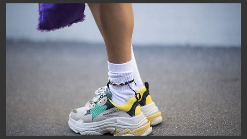 Por qué están triunfando tanto las zapatillas feas esta