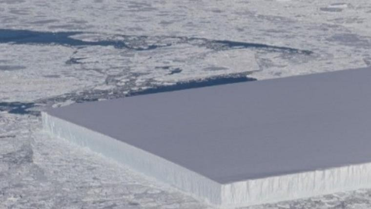 Mundo: La NASA encontró un enorme iceberg rectangular