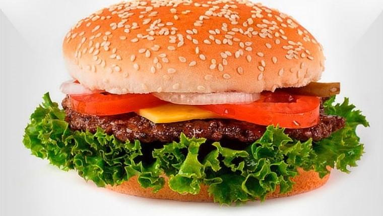 Cliente de McDonald's encuentra tres trozos de diente en una hamburguesa