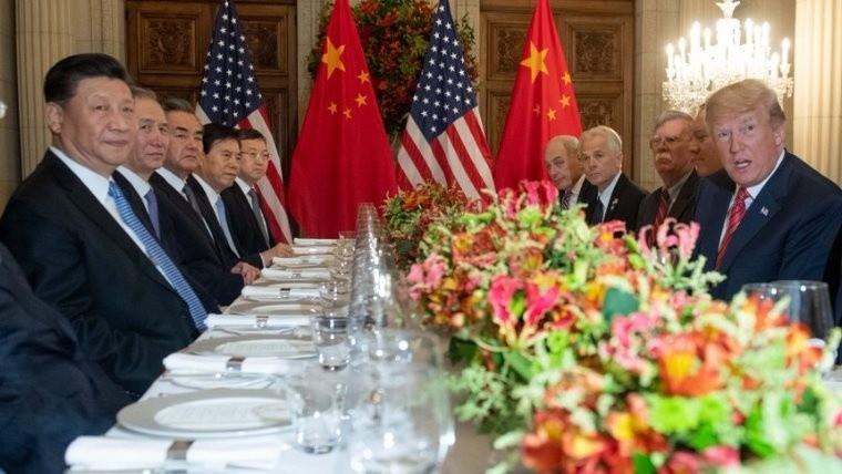 Trump y China acuerdan tregua comercial; reducirán impuestos a autos de EU