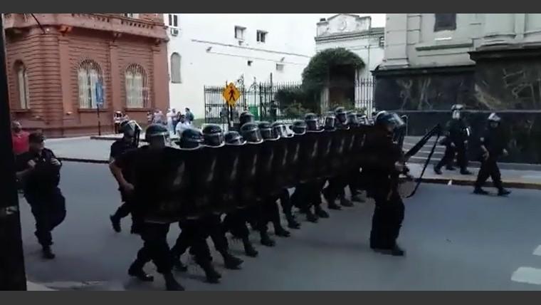 Carrió contra que policías disparen sin voz de alto