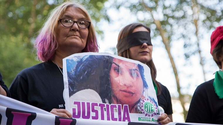 Un cartel reclamando Justicia por Lucía Pérez.