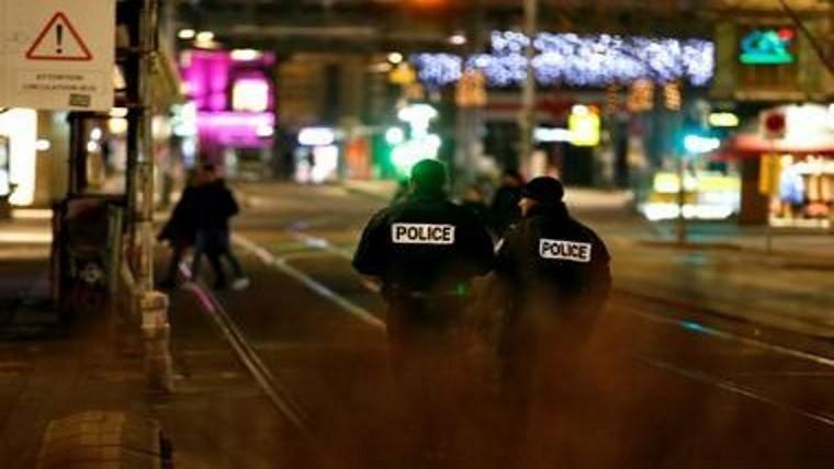 Dos muertos y 11 heridos graves por tiroteo en Francia