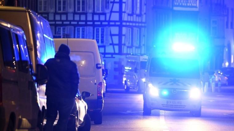 Al menos 3 muertos y 12 heridos por tiroteo en Francia
