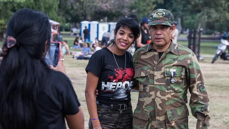 Vigilia 2 de abril en Rosario Vigiliamalvinas20196.jpg_1572130063