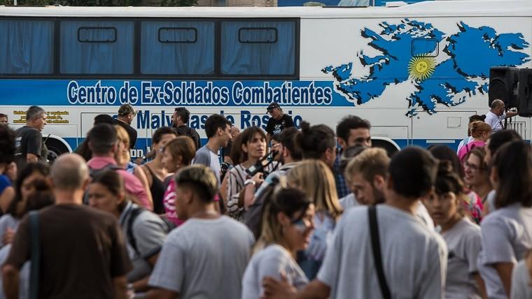 Vigilia 2 de abril en Rosario Vigiliamalvinas20193.jpg_1572130063